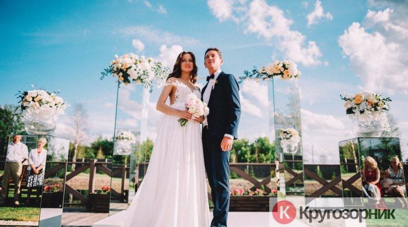 kakuyu svadbu luchshe sdelat vybrat plate 800x445 - Какую свадьбу лучше сделать, выбрать платье