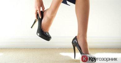 kak nauchitsya xodit na kablukax 390x205 - Как научиться ходить на каблуках?