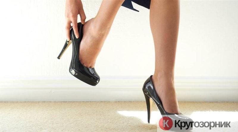 kak nauchitsya xodit na kablukax 800x445 - Как научиться ходить на каблуках?