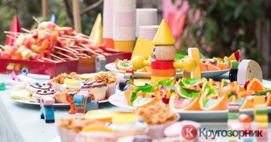 oformlenie stola na detskij prazdnik 390x205 - Оформление стола на детский праздник